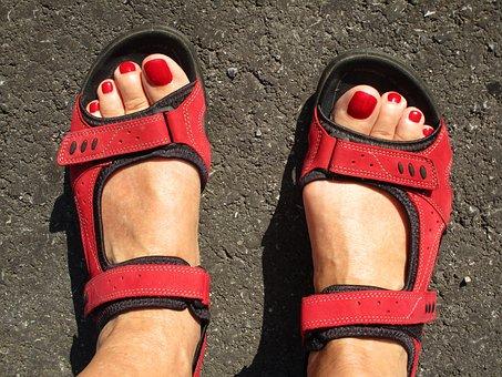feet-2551966__340